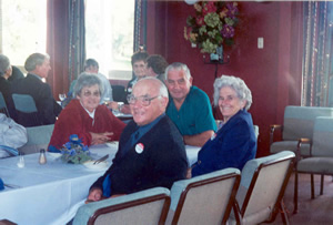 Members of the Central Districts Retirees Club at lunch after the 2002 Annual General Meeting 2002